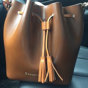 Dooney & Bourke Siena Serena Shoulder bag